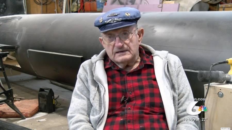 Retired navy veteran building full-scale submarine model in his garage