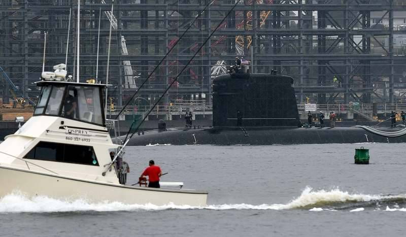 French Submarine Visits New London Sub Base To Return A Gesture